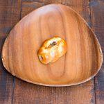 高級ウィンナー入り小ぶりだけど人気の調理パンです!粒マスタードが決め手。